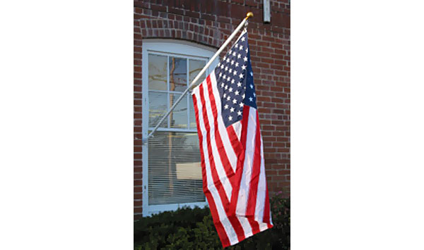 Outdoor Residential Flagpoles – Sunsetter
